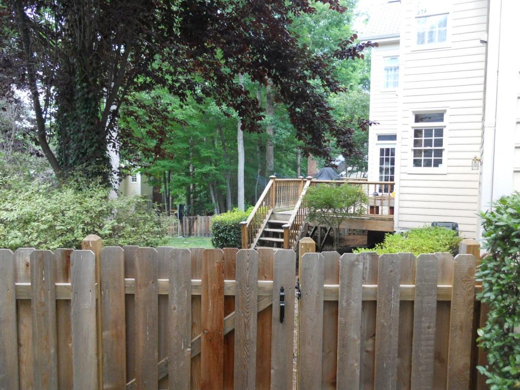 108 Parkcrest backyard1