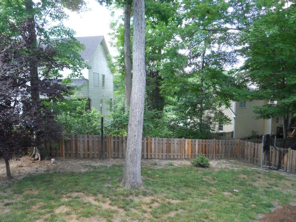 108 Parkcrest backyard2