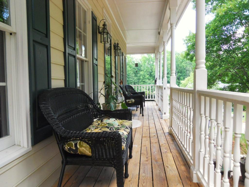 108 Parkcrest front porch
