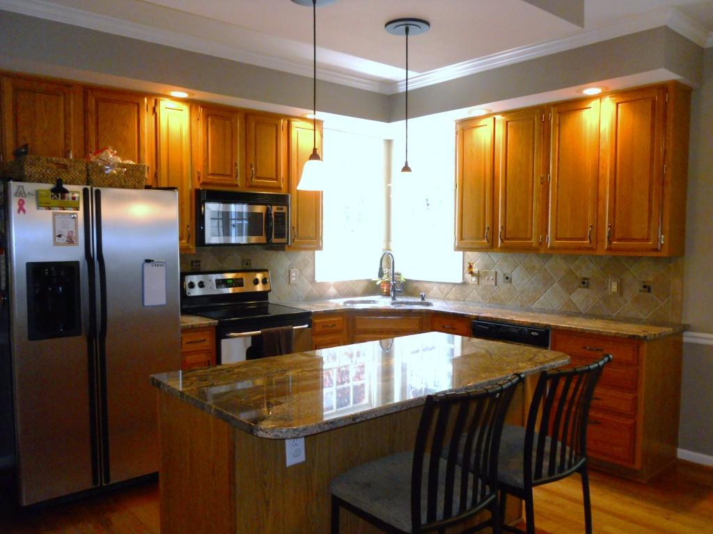 108 Parkcrest kitchen 1