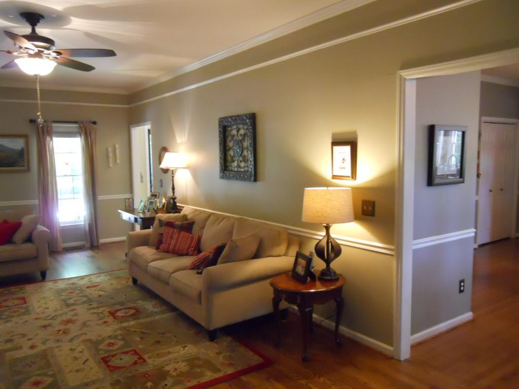 108 Parkcrest living room2