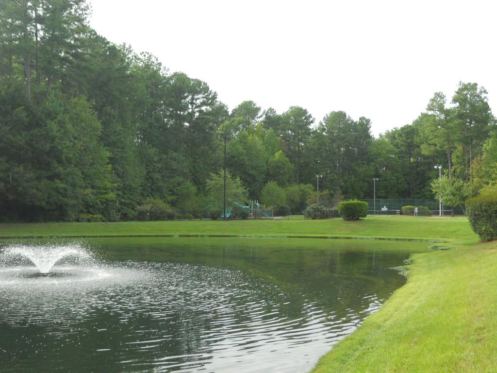 Westpark Pond tennis playground