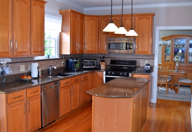 100 Delafield Cary Home Kitchen 2