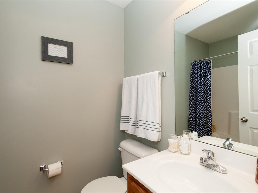018_Bedroom Bath